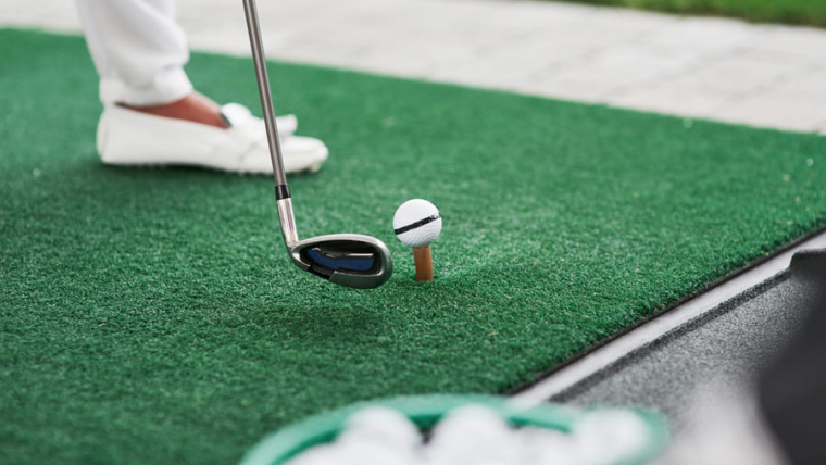 How to lay artificial turf for golf courses?